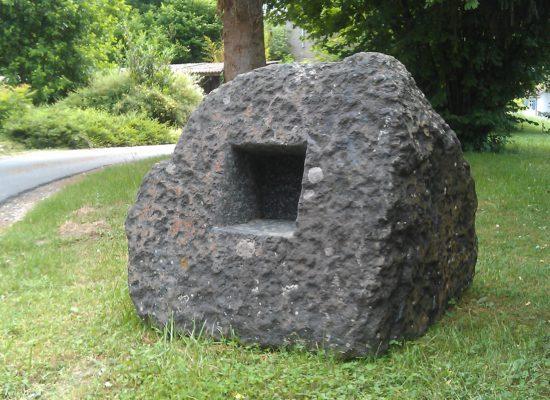 Raum im Stein 11